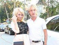 Рудковская и Плющенко отметили годовщину свадьбы