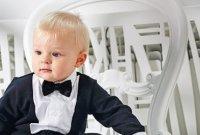 Плющенко-младший прокатился на самых маленьких коньках в мире