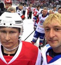 Евгений Плющенко сыграл с Владимиром Путиным в хоккей