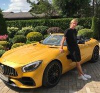 Евгений Плющенко похвастался новым автомобилем