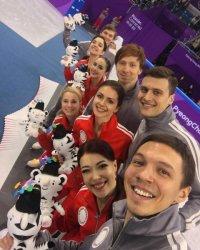 Евгений Плющенко поздравил фигуристов–олимпийцев с серебром